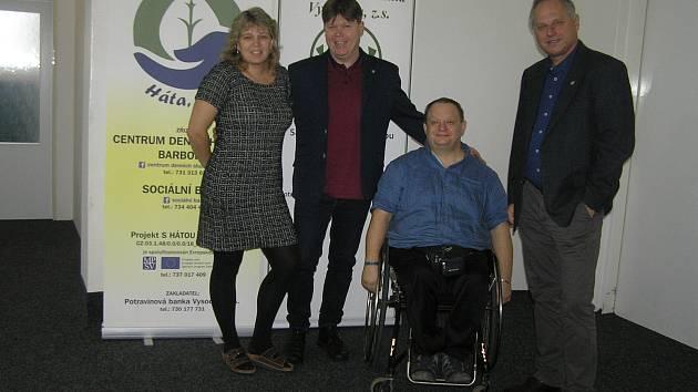 Iveta Vrbová (vlevo) stojí v čele Háty už více než pět let, je autorkou mnoha sociálních projektů, v neděli se představí i v Poště pro tebe.