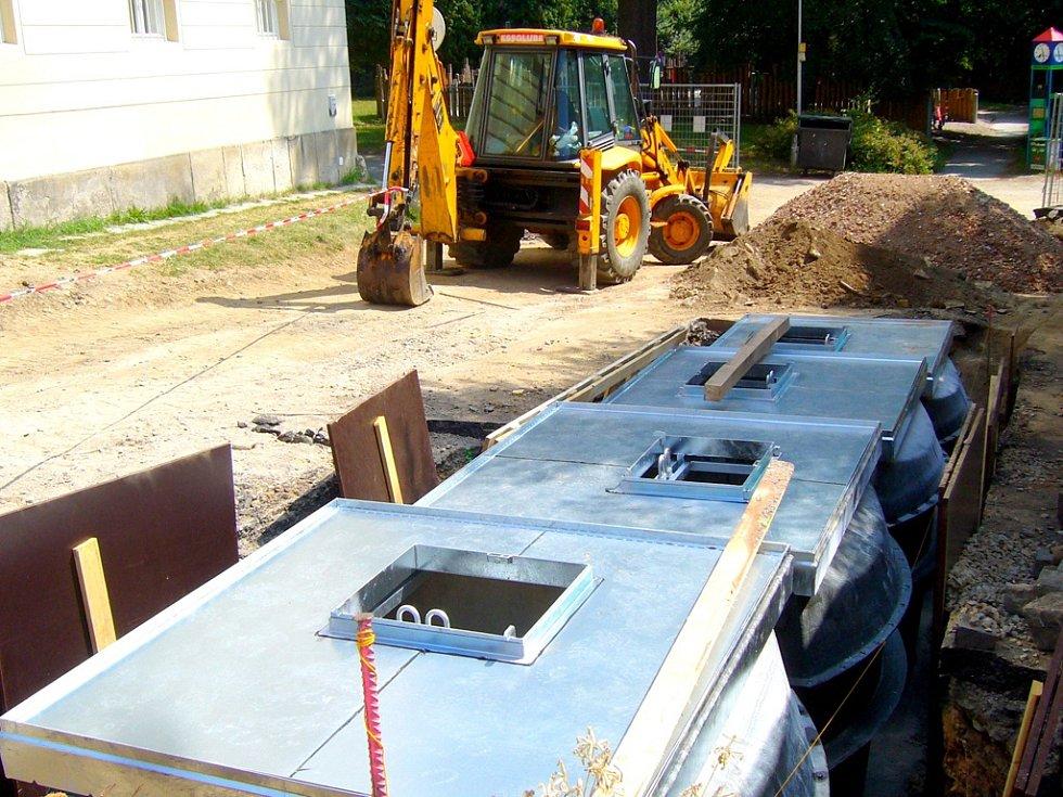 Ekologické podzemní separační stání pro ukládání komunálního odpadu na Rubešově náměstí.