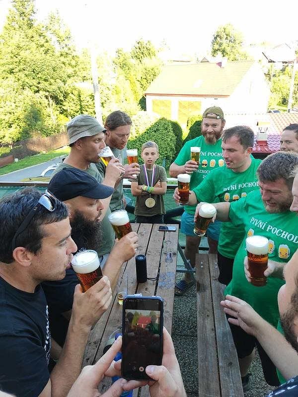 Pivní pochod v Rozsochatci
