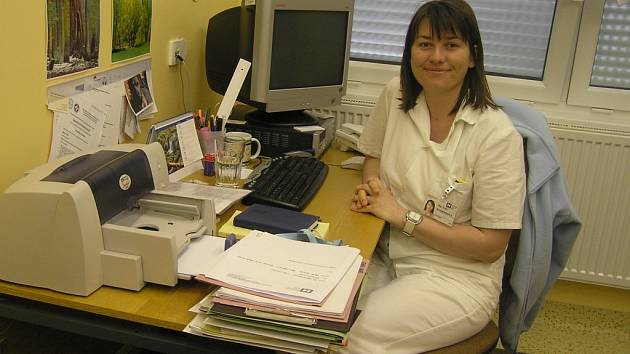 Irena Komendová pomáhá zlepšit duševní stav lidí, kteří přišli léčit tělo.