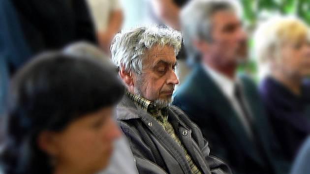Miroslav Gregor na pohřbu.