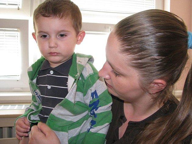 Svůj trest si v ženské věznici ve Světlé nad Sázavou odpykává i Sandra Bajričová. U sebe má i svého dvouletého syna Damiana. Společně jsou  ve specializovaném oddělení pro výkon trestu matek nezletilých dětí.
