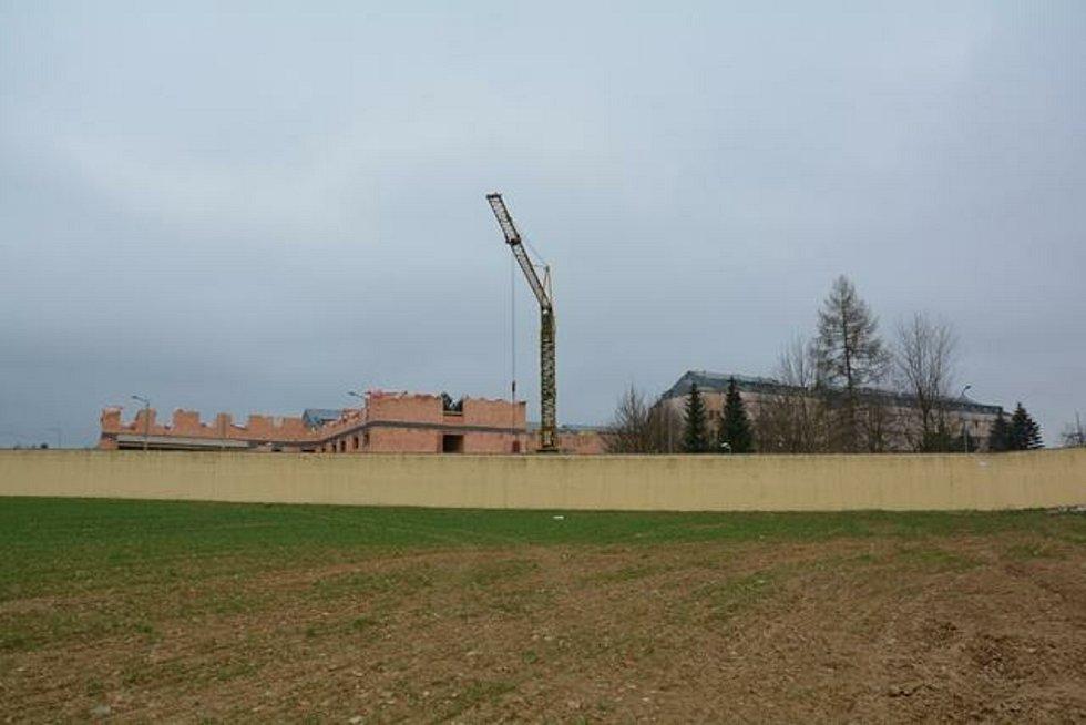 Stavba nového pavilonu věznice ve Světlé.