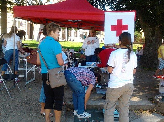 Červený kříž. Aktivity dobrovolného spolku zdravotníků lákají stále častěji i děti.