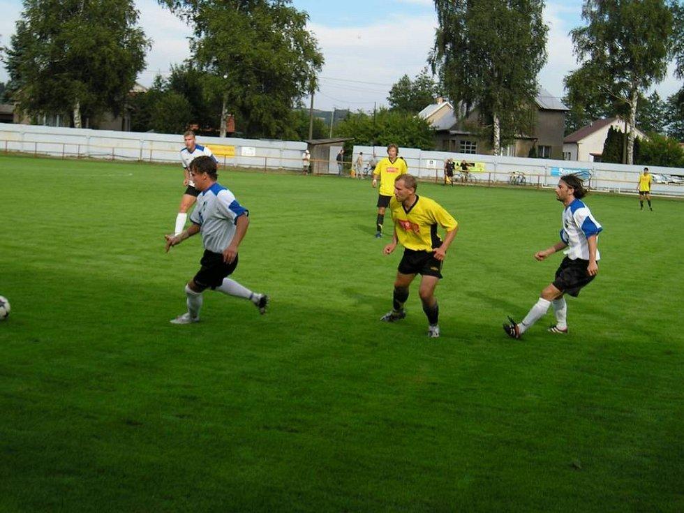 Druhý zápas. Fotbalisté Ždírce sehrají teprve druhý zápas na nově zrekonstruovaném domácím hřišti. Ve středu si na něm odbyli premiéru proti Chotěboři, kterou rozstříleli 6:1.