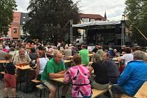 Pivo a dobrá muzika byly hlavním lákadlem letošních pivovarských slavností. Lidé mohli vybírat hned ze dvou druhů piv, a to svátečního ležáku a polotmavé jedenáctky.