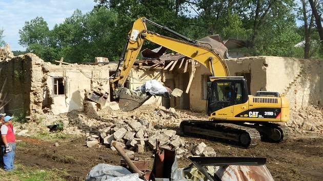 Demolice bývalé Pultarovy papírny ve Smrčné u Světlé nad Sázavou