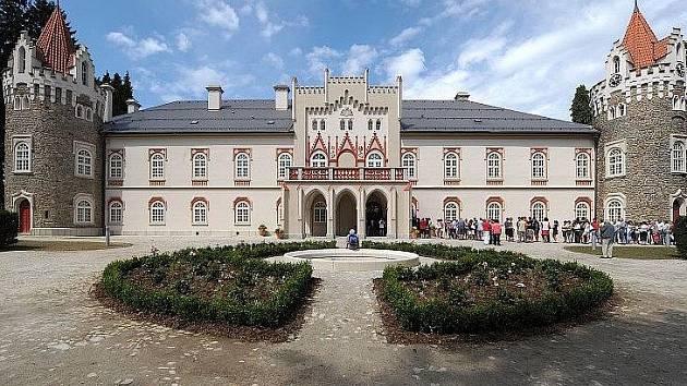 Hotel Chateau Herálec si v rámci Dne otevřených dveří přišlo prohlédnout na tři tisíce lidí.