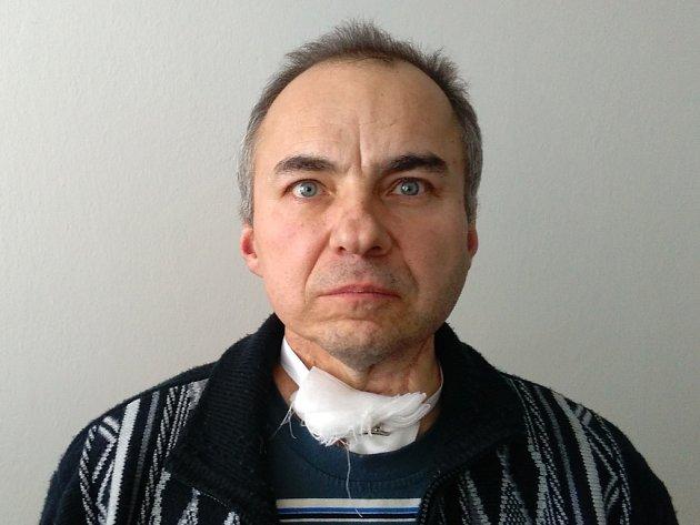 Dvaapadesátiletý několikrát soudně trestaný recidivista Lukáš Lahoda z Hatí na Znojemsku nyní čelí u soudu obvinění z účasti na sérii krádeží.