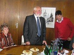 Václavu Šrámkovi by osmdesátku nikdo nehádal i v tomto věku bývalý starosta denně pracuje na svém soukromém statku.