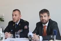 Pracovního setkání se mimo jiné zúčastnili i ministr spravedlnosti Robert Pelikán (na snímku vpravo) a generální ředitel Vězeňské služby České republiky Petr Dohnal.
