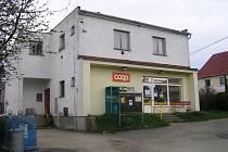Obchod v Keřkově by mohla nahradit pojízdná prodejna. Místním se to nelíbí.