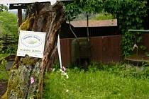 Zahrada. Průkopníkem v budování přírodních zahrad na Vysočině je obecně prospěšná společnost Chaloupky.