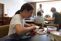 Celostátní Legoprojekt zahájili v Horní Krupé. Děti od 6 do 12 let stavěly ze statisíců kostiček město z Lega na ploše 8 x 3,5 metru.