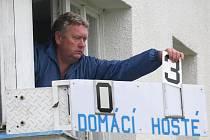 K nejkultivovanějším hlasatelům mistrovských soutěží kopané na Vysočině patří Jan Růžička (na snímku).