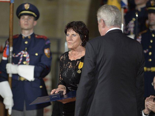 Jarmila Kratochvílová byla na státní vyznamenání navržena několikrát. Dočkala se až v roce 2013.