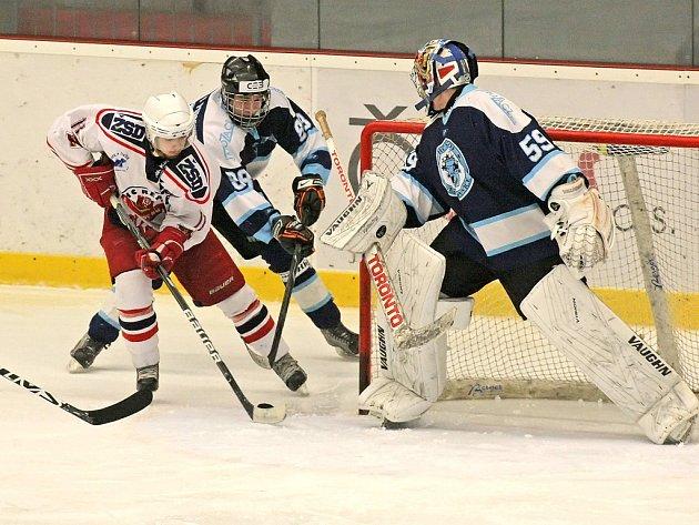 Extraligu by si v příští sezoně rádi zahráli starší dorostenci HC Rebel. V I. lize jsou zatím suverénní.