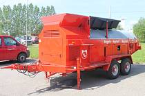 Kapacita mobilního recyklátoru živice Bagela BA 10000F dosahuje až 10 tun teplé obalované směsi za hodinu. Je určen pro větší objem výroby a při sdružení několika strojů dokážou plynule zásobovat finišer při pokládání silnic.