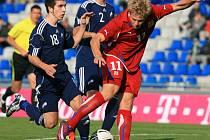Cílem útočníka Matěje Vydry je (v červeném dresu) stabilně se udržet v české reprezentanci. V kvalifikaci na MS se už představil v Dánsku.
