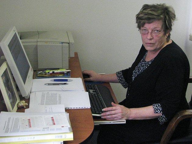 V souvislosti se sklářskou krizí absolvovala starostka Světlé nad Sázavou Lenka Arnotová už bezpočet jednání na místní, krajské, ale i celorepublikové úrovni. Iniciovala zákonodárnou iniciativu, stála u zrodu místní ekonomické rady.