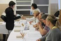 V brodském volebním okrsku číslo 18 (SÚS) se členové komise nenudí.