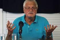 Historik Jiří Pernes byl v úterý hostem Letní žurnalistické školy v Havlíčkově Brodě. Se studenty debatoval na téma rozpadu Rakousko-uherské monarchie a vzniku samostatného Československa.