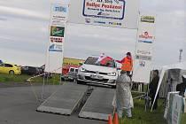 V letošním ročníku Rallye Posázaví startovalo přes 70 posádek