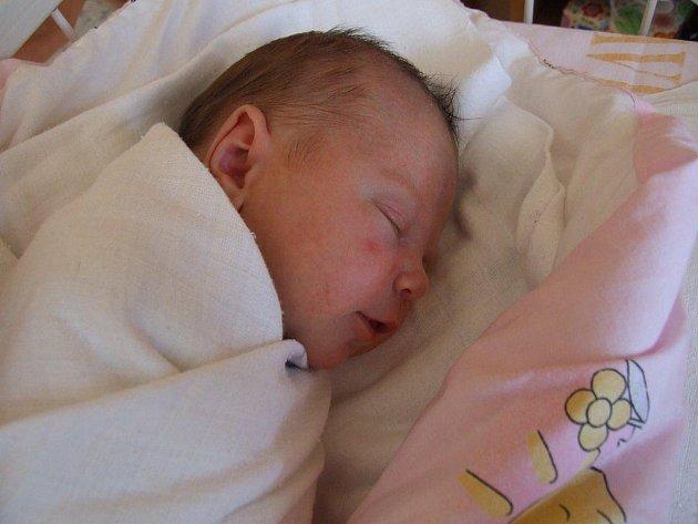 Eliška Langová, Starovice, 16. 5. 2011, 3780 g