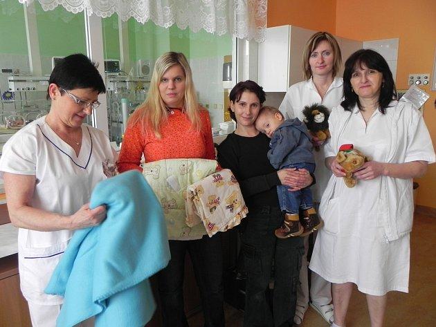 Milá návštěva. Dobrotety na porodním a novorozeneckém oddělení.
