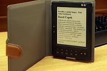 Čtečka elektronických knih. Ilustrační foto: