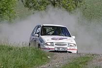 Prášilo se pořádně. O víkendu prověřili havlíčkobrodské silnice účastníci desátého ročníku Rallye Posázaví.
