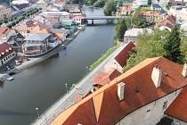 Do areálu hradu v Ledči nad Sázavou přišly o víkendu desítky lidí. Příchozí se mohli podívat také na město z věže.