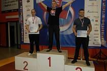 Tvrdou práci zúročil v podobě stříbra na mistrovství Evropy v bojovém umění MMA brodský zápasník Jan Eis (vlevo).