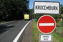 Nerespektování dopravních předpisů ve velkém. Denně to zažívají obce Krucemburk a Vojnův Městec, kde v současné době probíhá oprava silnice I/37. Mnozí řidiči vjíždějí opakovaně do zákazů, nedbají  červeného světla na signalizačních zařízeních.