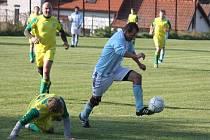 Kdo získá první jarní body? To je otázka nedělního derby zápasu I. B třídy mezi Kožlím a Lípou.