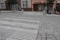 Jeden z přechodů pro chodce na Havlíčkově náměstí.