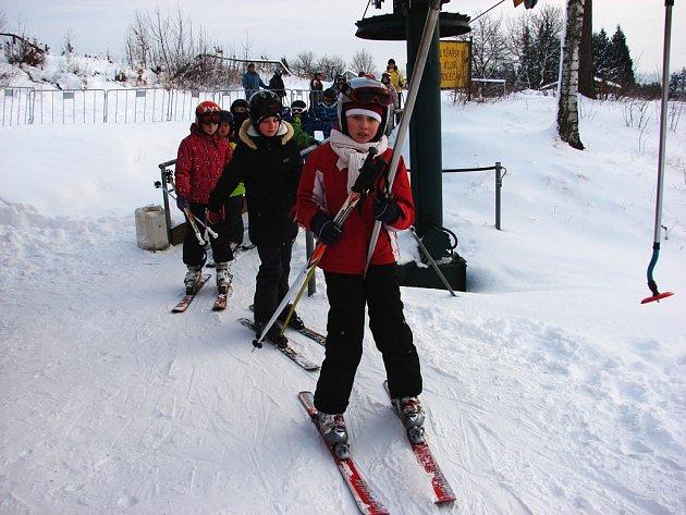Lyžařský areál Kadlečák nabízí školákům naprosto ideální podmínky k lyžování.