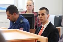 Popírá vinu. Martin Foltýn, který dřív sloužil v elitním policejním Delta týmu, je už dva roky ve vazbě. Dnes se dočká rozsudku. Vyslechnout si ho ale nechce.