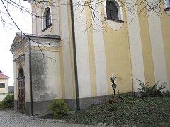 Novou fasádu potřebuje i kostel sv. Jana Křtitele v Přibyslavi (na snímku). Na její opravě se budou podílet církev, radnice a ministerstvo kultury.