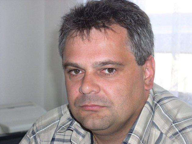 Velitel kriminálky vyjednavačem. Petr Gruber je u policie od roku 1989. V roce 2003 ukončil studium na policejní akademii. Před příchodem do Jihlavy, kde je velitelem kriminální služby, působil na okresním ředitelství v Havlíčkově Brodě.