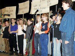 Základní škola v Golčově Jeníkově vždycky překypovala aktivitou.