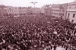 Generální stávka na brodském náměstí.