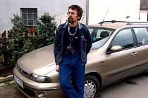 Milanu Oličovi z Dalešic na Třebíčsku hrozí díky 11 bodům ztráta řidičského oprávnění. Proto se nechal na čas uložit do depozitu.
