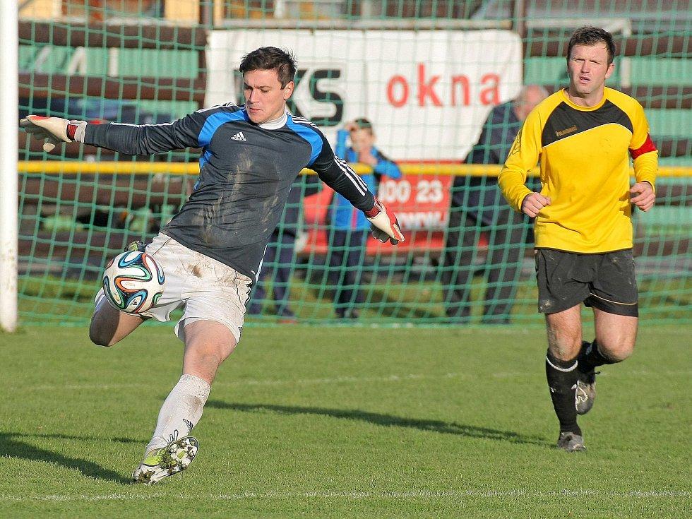 Vládci statistik. Ždírecký brankář Stanislav Pometlo měl v sezoně 12 vychytaných čistých kont, jemnický univerzál František Kříž dominoval se 27 vstřelenými góly.