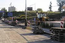 Rekonstrukcí na silnicích si řidiči na Brodsku letos užijí