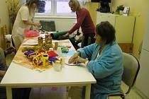 Pacienti si mohli sami vánočně vyzdobit pokoj.