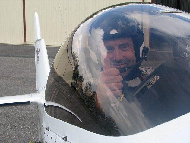 Jan Adamec patří k absolutní špičce české letecké akrobacie. V průběhu letecké show předvede divákům celou řadu akrobatických kousků.