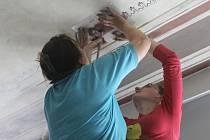 O obnovu dekorativní malby se nyní stará tým akademického malíře Pavla Procházky.