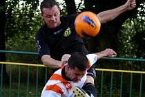 Osm. Tolik zápasů nedokázali fotbalisté Tisu (v černém) porazit Havlíčkovu Borovou.