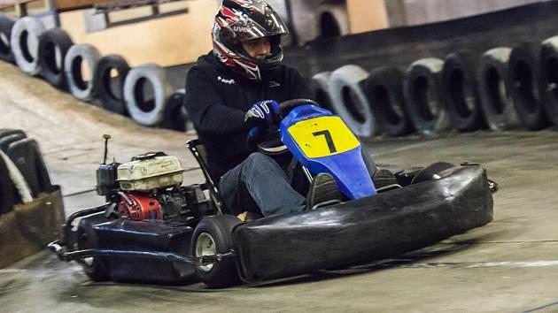 Absolutní vítěz. Tím se stal v motokárovém šampionátu Pavel Nejezchleba (na snímku).